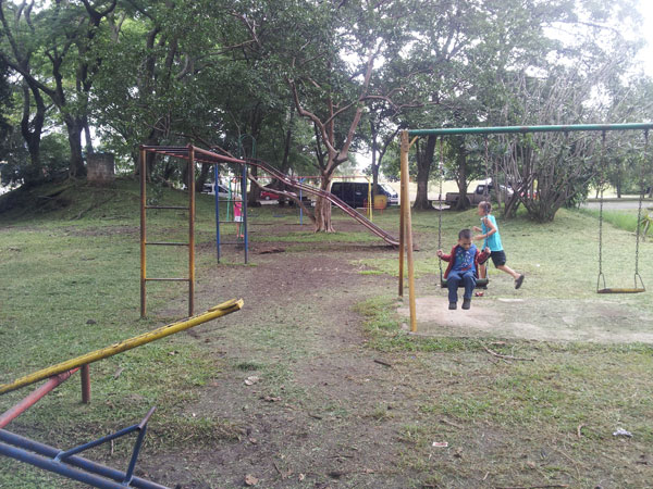 costa-rica-airport-playground