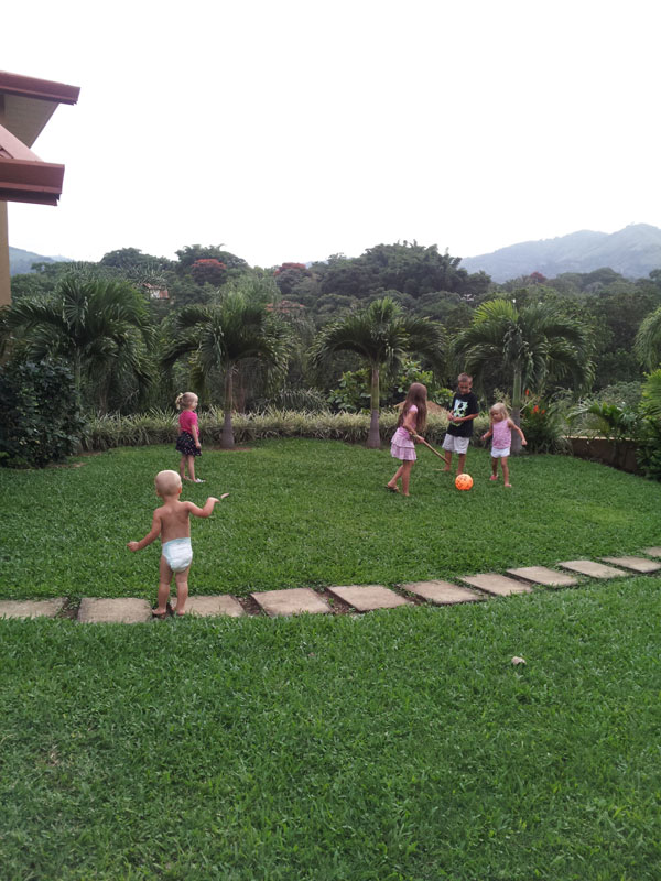 kids-playing2